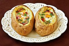 Idaho Sunrise (Baked Eggs & Bacon in Potato Bowls)  Looks good but I would have to substitute the cheese and butter