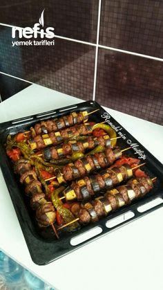 Fırında Patlıcan Kebabı (Lokum Gibi) - Nefis Yemek Tarifleri Cooking Recipes, Beef, Food, Meal, Cooker Recipes, Essen, Hoods, Ox, Meals