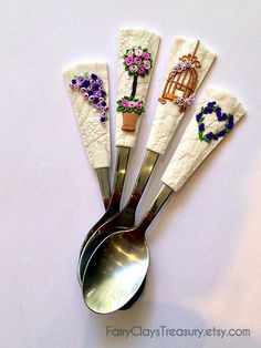 Personalised wedding cutlery set rosetree by FairyClaysTreasury Cute Polymer Clay, Cute Clay, Polymer Clay Crafts, Diy Clay, Wedding Cutlery, Biscuit, Spoon Craft, Clay Pen, Polymer Clay Embroidery