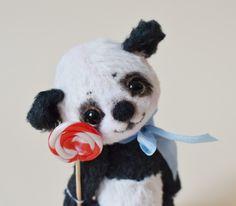 http://royalbears.blogspot.com/2012/08/panda-lin-lin.html