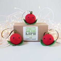 Christmas Cranberry Tree Decoration - Set of 3 Cranberry Tree, Tree Decorations, Place Cards, Place Card Holders, Christmas Ornaments, Holiday Decor, Handmade, Home Decor, Hand Made