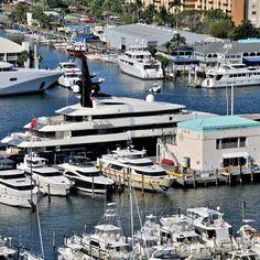 Steven Speilberg's yacht behind Pier 66
