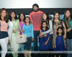 """Handsome hunk Prabhas is all hit the hearts of the girls with his latest teaser. It seems that the team of """"Bahubali"""" is aiming to release a teaser on October 23rd especially for Prabhas' fans. - See more at: http://www.tollywoodtimes.com/en/newsfullstory/gvi7iawi6t/October-23rd---Prabhas-special-treat-for-girls/3032#sthash.0eU3NqcR.dpuf"""