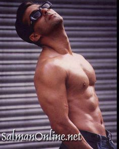 Salman Shahrukh Khan And Kajol, Aamir Khan, Most Handsome Men, Handsome Actors, Salman Khan Wallpapers, Karena Kapoor, Salman Khan Photo, Shirtless Hunks, Chico Fitness