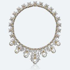 Collier «Ambrosia» en or blanc, or jaune, perles et diamants du joaillier Buccellati.