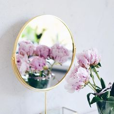 Oh hello beauty 💕 Lovely Saturday to you 😘 . . Cześć piękna💫Co dziś ciekawego będziesz porabiać?😘 . . #peonies #pinkpeonies #pinkflowers🌸 #mirrorflower #ohwowyes #mybeauties #loveliest4 #stilllifephotography #myfavoriteflowers #wearingpink #simplepicture #littlejoys #momentsofmine #littlethings #mylittlepleasures #floverlover #flowerloversdaily #flowersdaily #flowerslover #flower_daily #flowers_mania__ #flowerstyling #everythingaboutflowersandcoffee