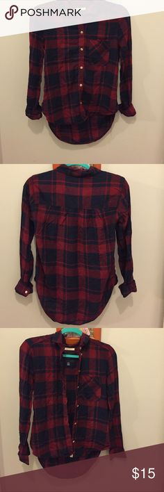 A flannel from American eagle😊 Only worn once or twice, in great condition. American Eagle Outfitters Tops Button Down Shirts