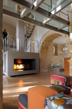 Stairs on/around the fireplace Loft Design, House Design, Mini Loft, House On The Rock, Glass Floor, Metal Homes, Lofts, Best Interior, Home Renovation
