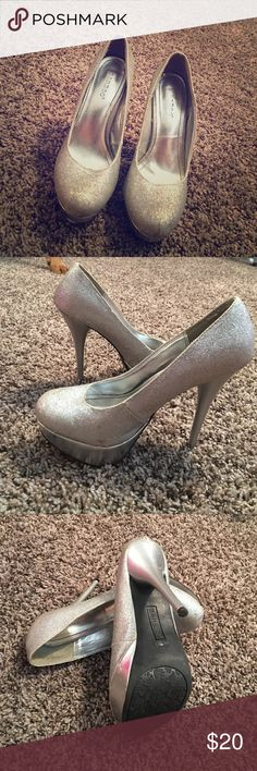 Silver sparkly heals Silver sparkly heals, in perfect condition, women's size 7 Bamboo Shoes Heels