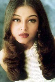 Aishwarya Rai Aishwarya Rai Makeup, Aishwarya Rai Young, Actress Aishwarya Rai, Aishwarya Rai Bachchan, Bollywood Actress, Bollywood Stars, Bollywood Couples, World Most Beautiful Woman, Beautiful Eyes