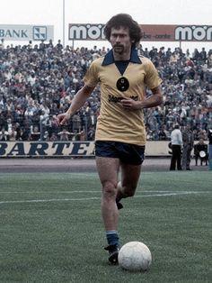 Paul Breitner in seizoen 1977/78 als speler van Eintracht Braunschweig.
