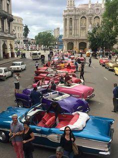 La Habana, Cuba 2019 Friendly people with beautiful cars Varadero, Belize, Cuba Today, Cuban Cars, Cuba Culture, Trinidad E Tobago, Cuba History, Santa Lucia, Cuba Beaches