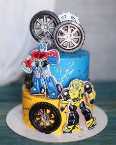 Bumble Bee Transformer Cake, Bumble Bee Cake, Transformer Birthday, Liverpool Cake, Ideas Decoracion Cumpleaños, Girls First Birthday Cake, Transformers Birthday Parties, Patisserie Design, Bee Cakes
