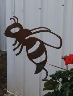 Bourdonnement des abeilles jardin jeu jeu Rusty Bee par 81MetalArt
