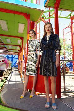 Be Blumarine Spring 2020 Ready-to-Wear Fashion Show - Sponsored - Vogue 2020 Fashion Trends, Fashion Week, Fashion 2020, Women's Fashion, Fashion Brands, Catwalk Collection, Fashion Show Collection, Cozy Fashion, White Fashion