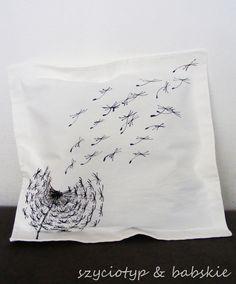 Dandelion pillow case by SzyteMalowane via dawanda.pl