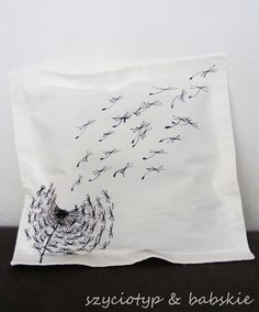 Dandelion pillow case by SzyteMalowane via dawanda.pl