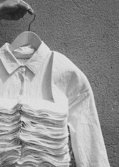 pages and pages and pagess Textiles, Textile Patterns, Print Patterns, White Fashion, Fashion Art, Fashion Design, Deconstruction Fashion, Create Shirts, Build A Wardrobe