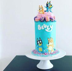 How To Make a Rainbow Birthday Cake - Novelty Birthday Cakes Novelty Birthday Cakes, Birthday Cake Girls, Birthday Fun, Birthday Ideas, Third Birthday, Kid Cupcakes, Cupcake Cakes, Fun Cakes, Cake Icing