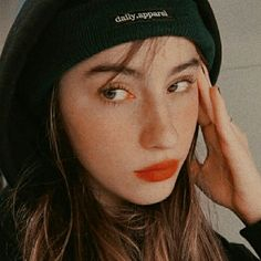 Sabrina Carpenter, Princesas Disney, Memes, Ulzzang, Cool Photos, It Hurts, Crushes, Face, Photography