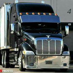 It was Aranda years back but they need to keep the truck while workin on it, who. Big Rig Trucks, Dump Trucks, Cool Trucks, Pickup Trucks, Peterbilt 387, Peterbilt Trucks, Custom Big Rigs, Custom Trucks, Heavy Construction Equipment