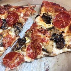 Keto Fathead Dough: Pizza, Calzones, Buns and more! – Noreen's Keto Kitchen & Life Calzone Dough, Pizza Calzones, Dough Pizza, Healthy Chicken Recipes, Pizza Recipes, Keto Recipes, Shawarma, Quesadillas, Pizza Shapes