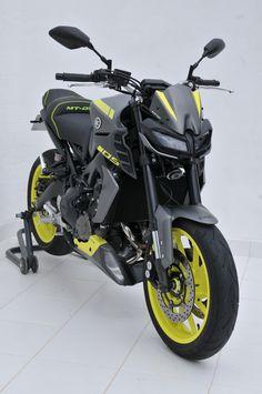 Fit the / with Ermax accessories , painted at Yamaha colors. Mt Bike, Bike Pic, Suzuki Bikes, Yamaha Motorcycles, Mt 09 Yamaha, Bajaj Motos, Sv 650, Motorcross Bike, Motorcycle Wallpaper