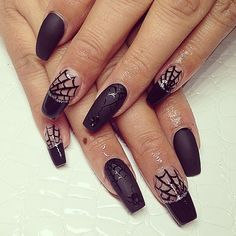 Spider webs Halloween Nails #HolidayNails