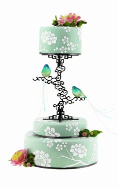 This will be my wedding cake. With light purple fondant and gray details. This is it!