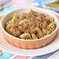 Fusilli con ragù di cipolle / Fusilli with onion sauce