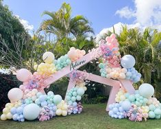 Balloon Backdrop, Balloon Columns, Flower Backdrop, Balloon Decorations, Birthday Party Decorations, Baby Shower Decorations, Rainbow Balloons, Moana Birthday, Luxury Flowers