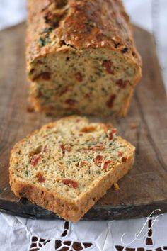 Brot mit Tomate und Käse