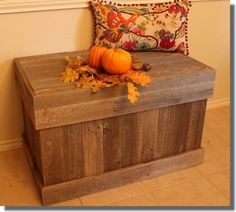 These free cedar chest plans are perfect for storing just about anything. The chest is also almost free if you use old fence boards. Concrete Fence, Bamboo Fence, Wooden Fence, Cedar Fence, Rustic Fence, Woodworking Projects That Sell, Diy Wood Projects, Woodworking Plans, Carpentry Projects