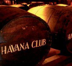 Havana Club Maximo Extra Anejo Rum : The Whisky Exchange Cuba Rum, Havana Club Rum, Rum Tasting, Good Rum, Art Deco Font, Mojito Cocktail, Cigar Club, Crystal Decanter, Cuban Cigars