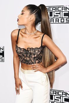Ariana Grande at the AMA's (20 November 2016)