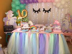 Hi I love this pin Unicorn Themed Birthday Party, 1st Birthday Girls, Unicorn Party, Birthday Balloons, Birthday Party Themes, Paper Party Decorations, Girl Birthday Decorations, Unicorn Baby Shower, Creation Deco