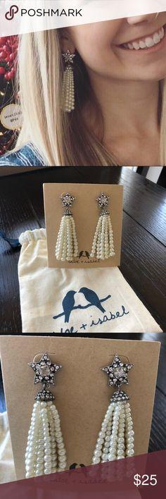 Chloe + Isabel shooting star earrings! Great condition. So so soooooo cute!!! Comes with dust bag Chloe + Isabel Jewelry Earrings