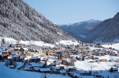 Discover a Chatel ski holiday at a great price this winter. Choose the true French Alps specialist. Plan your trip to Chatel with us. Ski Resorts France, Location Ski, St Gervais, Destinations, Ski Holidays, French Alps, Lake Geneva, Snow Skiing, Plan Your Trip