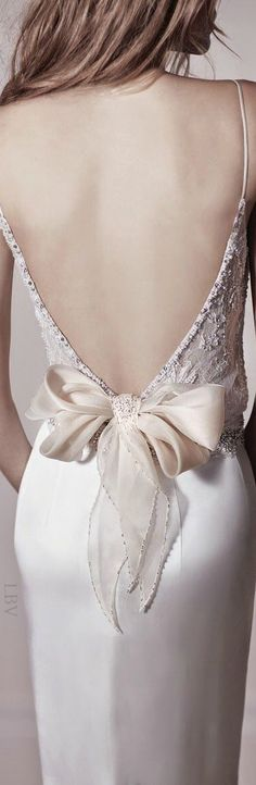 Bow fashion Beautiful back KathrynHaydenKimmons Bridal Dresses, Wedding Gowns, Bridesmaid Dresses, Wedding Dress Bow, Perfect Day, Glamour, Yes To The Dress, Beautiful Gowns, Dream Dress