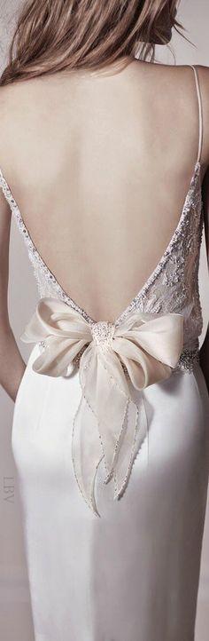 The Millionairess of Pennsylvania..Gorgeous evening gown: Bow fashion