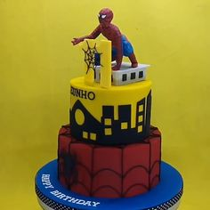 Real video shot no PVC figurine and no printed topper. Batman Spiderman, Superhero, Spiderman Birthday Cake, Fresh Eats, Real Video, Tartelette, Cake Delivery, Unique Cakes, Cake Shop