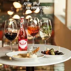 Wir finden: es dauert viel zu lange, mit dem Wochenende bis Freitagabend zu warten. Deshalb starten wir jeweils schon Donnerstag abends in den Aaaaaaapéro SPIGA. Alcoholic Drinks, Wine, Glass, Food, Friday Eve, Italian Recipes, Waiting, Drinkware, Corning Glass