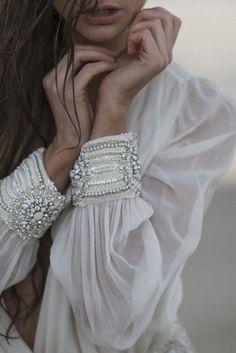 white blouse with beaded cuff Mode Boho, Fashion Details, Fashion Design, Mode Inspiration, Design Inspiration, Looking For Women, Boho Chic, Bohemian, Ideias Fashion