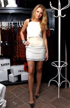 blake-lively-anna-suis-collection-launch-in-new-york-05