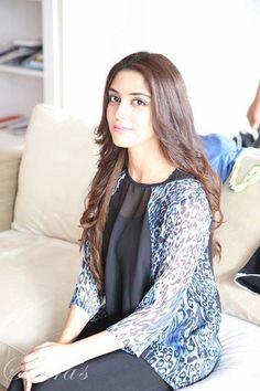 Beautiful Celebrities, Beautiful Actresses, Maya Ali, Desi Clothes, Pakistani Actress, Western Outfits, Muslim Women, Pakistani Dresses, Celebrity Style