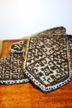 Ravelry: hjth's Andalus Mittens