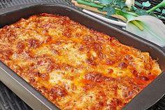Béchamel minced meat lasagna from Kochprofie Pork Chop Recipes, Salmon Recipes, Potato Recipes, Lunch Recipes, Healthy Recipes, Walnuts Nutrition, Benefits Of Potatoes, Meat Lasagna, Steak Recipes