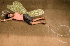 Show Me Cute: Sidewalk Chalk Photography Chalk Photography, Summer Photography, Children Photography, Amazing Photography, Chalk Pictures, Illusion, Sidewalk Chalk Art, Outdoor Art, Business For Kids