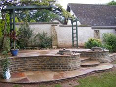 Natural Stone Patios And Pathways Incorporating Circles.    Photos/Testimonials :: MGWale Landscapes