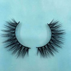 This eyelash is made of mink hair. It is very soft. This 3D eyelash is very popular and suitable for many occasions. It can give people a comfortable feeling and is very natural. 3d Mink Lashes, Eyelashes, Popular, Natural, People, Hair, Lashes, Popular Pins, People Illustration